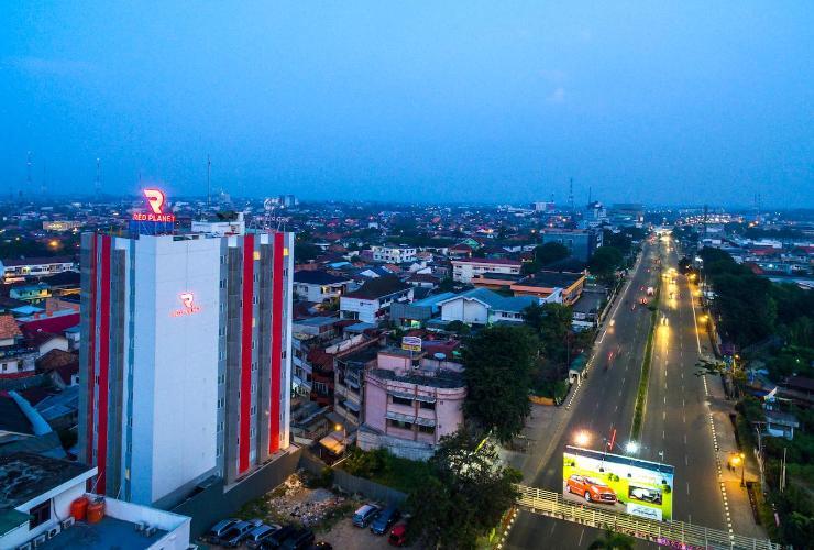 RoadTripMbokJastra # 4: Red Planet: Tempat Menginap Strategis di Tengah Kota Palembang yang Nyaman di Kantong