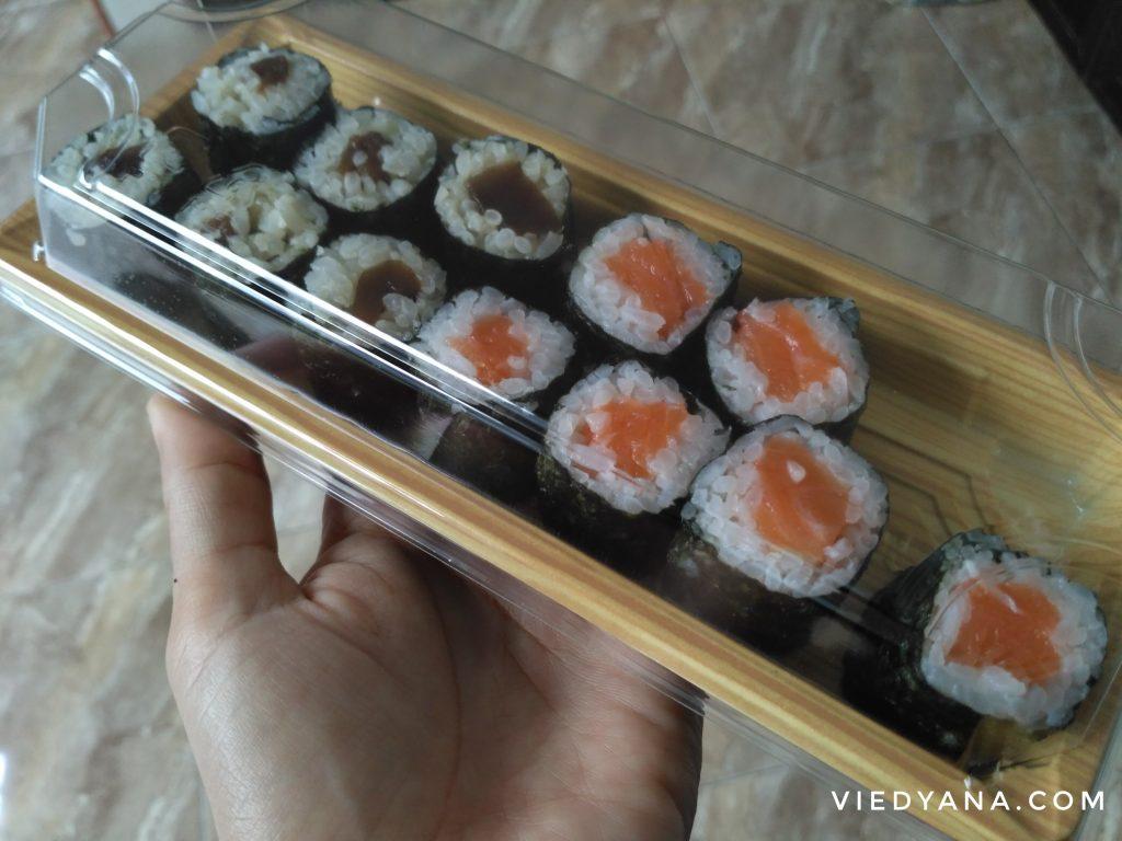 Shitake Maki dan Salmon Maki